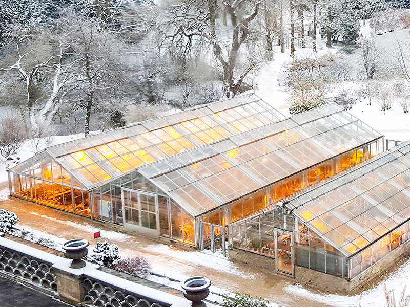 Polycarbonate greenhouse roofing