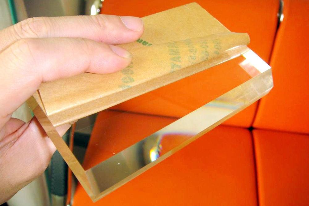 Polishing plexiglass Sheet