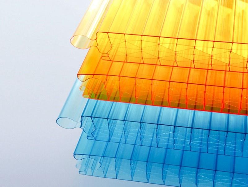 Polycarbonate facade system