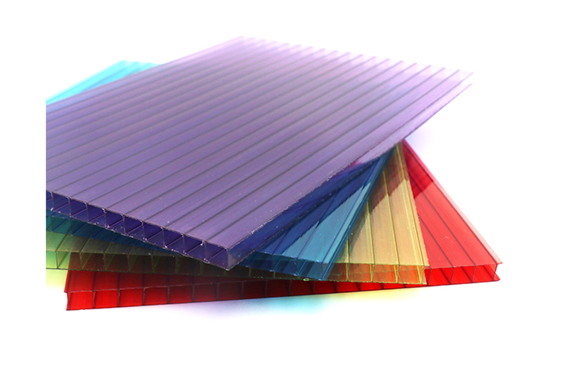 Polycarbonate siding