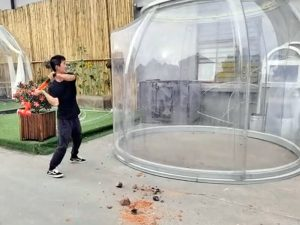 Test the Impact resistance of bubble tent